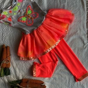 Girly & bright! Check out the big sis listing!